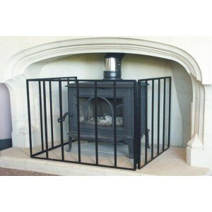 24'' Heavy Stove Guard Fire Screen - The Noble Collection - Black